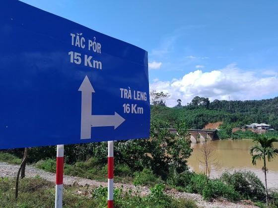 Toàn cảnh thảm họa sạt lở vùi lấp người ở Trà Leng, Trà Vân ảnh 3