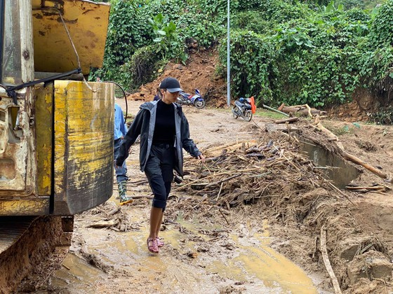 Quảng Nam hướng dẫn các tổ chức, cá nhân đến cứu trợ sau bão lũ ảnh 5