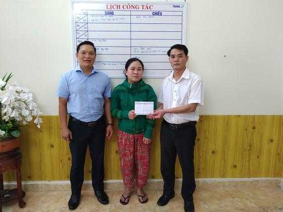 Báo SGGP trao tiền hỗ trợ hoàn cảnh cháu Kiệt ảnh 1