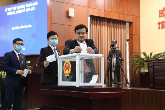Ông Lê Trung Chinh được bầu làm Chủ tịch UBND TP Đà Nẵng ảnh 1