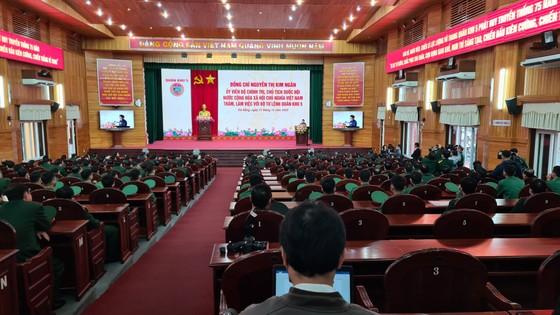 Chủ tịch Quốc hội Nguyễn Thị Kim Ngân làm việc với Bộ Tư lệnh Quân khu 5 ảnh 1