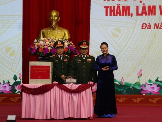 Chủ tịch Quốc hội Nguyễn Thị Kim Ngân làm việc với Bộ Tư lệnh Quân khu 5 ảnh 3