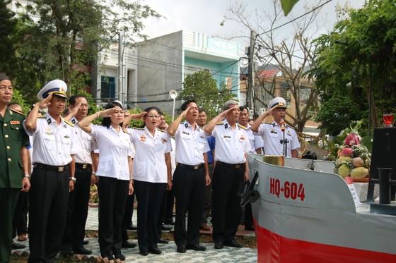 Dâng hương tưởng nhớ 64 anh hùng liệt sĩ Gạc Ma ảnh 1