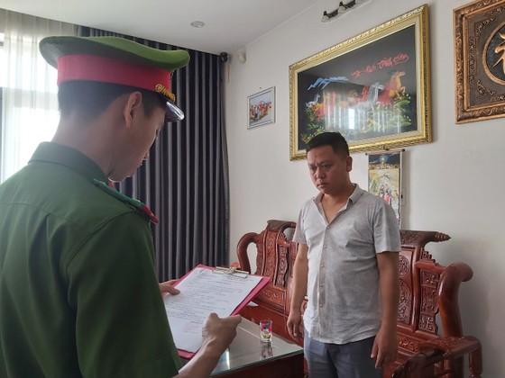 Bắt giam một giám đốc lấy sổ đỏ của người khác đi vay tiền ảnh 1