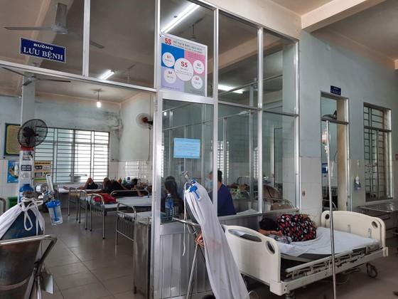 Quảng Nam: Hàng chục người dân nhập viện vì ngộ độc thức ăn ảnh 1