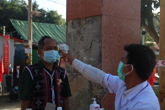 Hàng ngàn cử tri vùng biên giới Quảng Nam đi bầu cử sớm ảnh 3