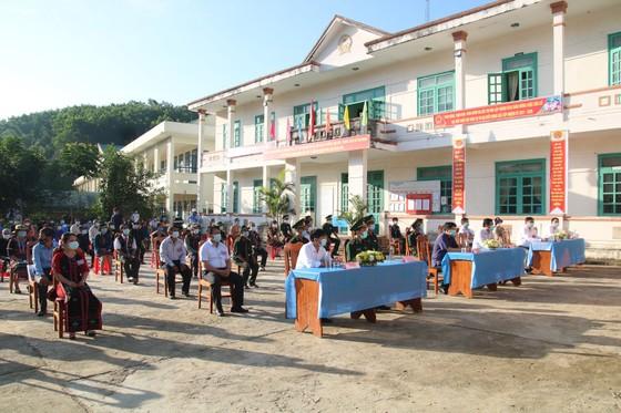 Hàng ngàn cử tri vùng biên giới Quảng Nam đi bầu cử sớm ảnh 1