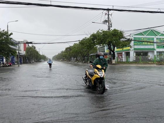 Nhiều nơi tại Quảng Nam bị ngập cục bộ do ảnh hưởng bão số 5 ảnh 3