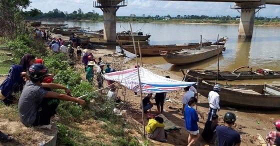 Phát hiện 3 thi thể trong một gia đình trên sông Thạch Hãn ảnh 2