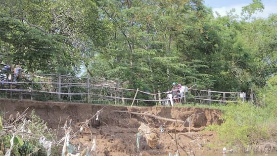 Sạt lở bủa vây ven sông Thạch Hãn, người dân thấp thỏm lo âu ảnh 2