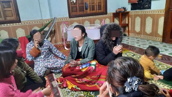 Hai chị em bị lạc được tìm thấy cách nơi hái măng khoảng 20km ảnh 1