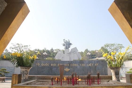 Quảng Trị: Tiếp nhận và an táng hài cốt liệt sĩ là quân tình nguyện, chuyên gia Việt Nam hy sinh tại Lào  ảnh 12