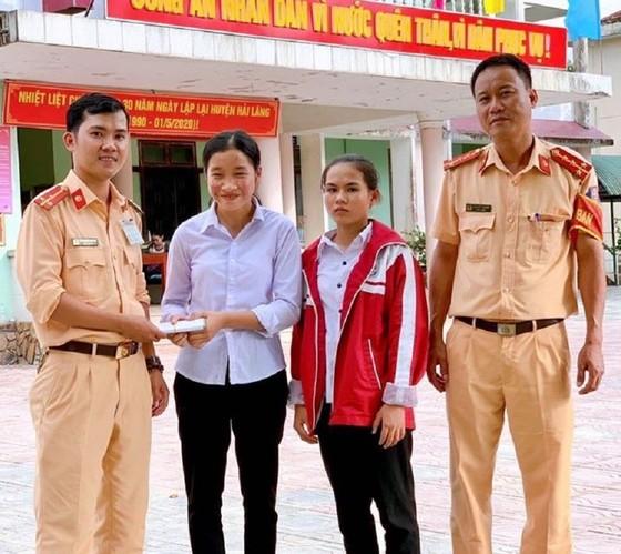 Nhặt được hơn 50 triệu đồng, 2 học sinh ở Quảng Trị tìm người trả lại ảnh 1