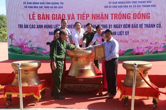 Quảng Trị: Dâng tặng trống đồng cho thành cổ Quảng Trị tri ân các anh hùng liệt sĩ ảnh 1