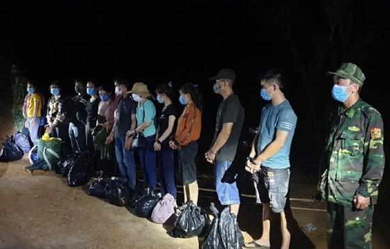 Quảng Trị: Phát hiện 13 người xuất cảnh trái phép sang Lào  ảnh 1