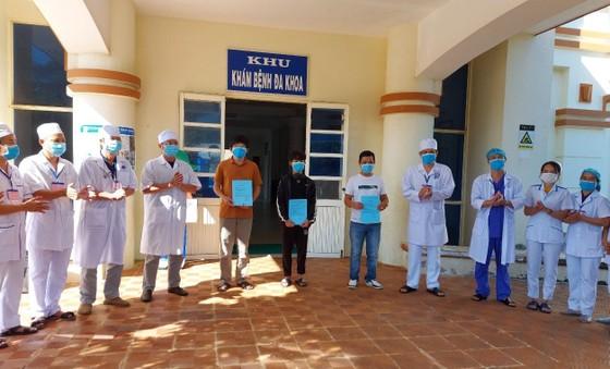 Thêm 5 bệnh nhân mắc Covid-19 ở Quảng Trị, Quảng Ngãi được xuất viện ảnh 2