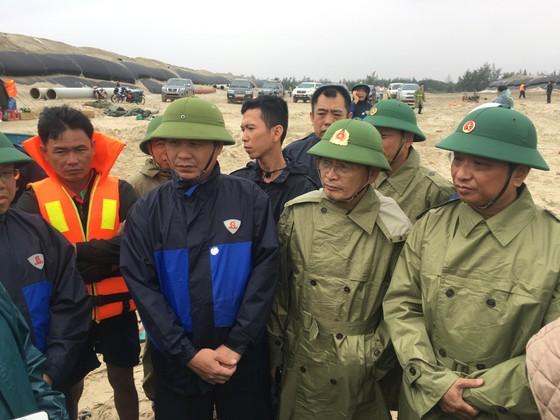 Khẩn trương cứu nạn 8 thuyền viên gặp nạn ở biển Quảng Trị ảnh 1