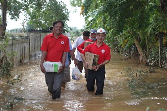 Báo SGGP tiếp tục hỗ trợ người dân vùng lũ Quảng Trị ảnh 2