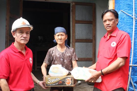 Báo SGGP tiếp tục hỗ trợ người dân vùng lũ Quảng Trị ảnh 4