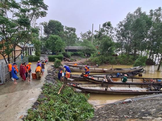 Báo SGGP tiếp tục hỗ trợ người dân vùng lũ Quảng Trị ảnh 3
