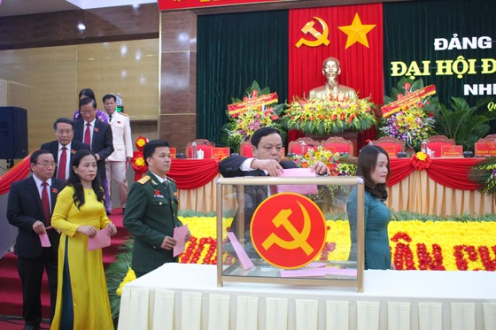 Đồng chí Lê Quang Tùng tái đắc cử Bí thư Tỉnh ủy Quảng Trị ảnh 1