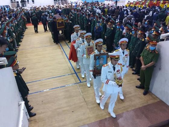 Lễ viếng và truy điệu 22 liệt sĩ Đoàn Kinh tế - Quốc phòng 337 hy sinh tại Quảng Trị  ảnh 15