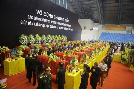 Lễ viếng và truy điệu 22 liệt sĩ Đoàn Kinh tế - Quốc phòng 337 hy sinh tại Quảng Trị  ảnh 2