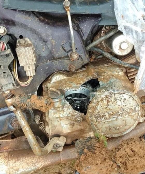 Nhóm đối tượng xông vào lán trực gây gổ, đập phá xe của cán bộ bảo vệ rừnghóm đối tượng xông vào lán trực gây gổ, đập phá xe của cán bộ bảo vệ rừng ảnh 2