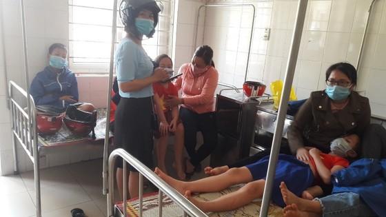 Quảng Trị: Nhiều học sinh tiểu học nhập viện sau bữa ăn trưa ảnh 1