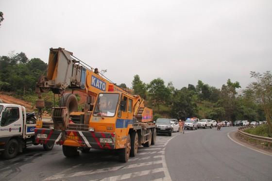 Xe đầu kéo mất lái gây tai nạn liên hoàn khiến nhiều người bị thương  ảnh 6