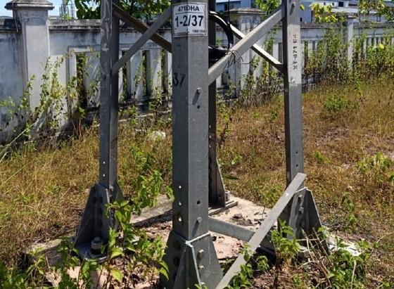 Quảng Trị: Hàng chục thanh giằng cột điện bị tháo trộm ảnh 2