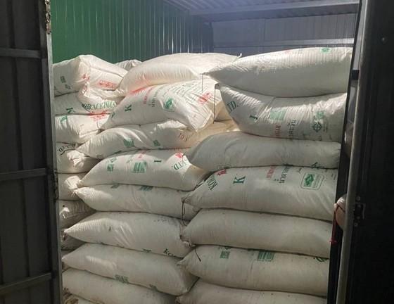 Quảng Trị liên tiếp phát hiện 7 vụ vận chuyển tổng cộng 41 tấn đường nhập lậu ảnh 1