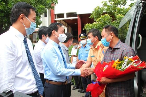 Quảng Trị: 35 bác sĩ, nhân viên y tế lên đường hỗ trợ Bình Dương chống dịch  ảnh 5