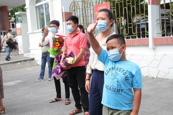 Quảng Trị: 35 bác sĩ, nhân viên y tế lên đường hỗ trợ Bình Dương chống dịch  ảnh 2