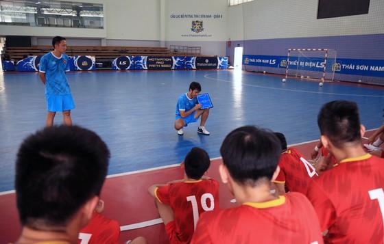 HLV đội tuyển futsal Việt Nam tự tin sẽ giành vé dự World Cup ảnh 1