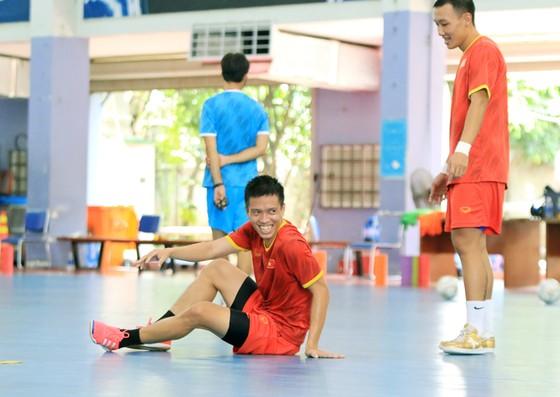 Đội tuyển futsal Việt Nam háo hức trước giờ sang UAE ảnh 1
