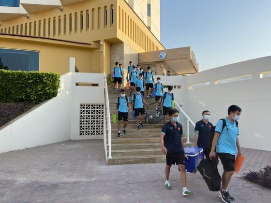 Tuyển futsal Việt Nam 'va chạm' với Lebanon trong sân tập ảnh 1