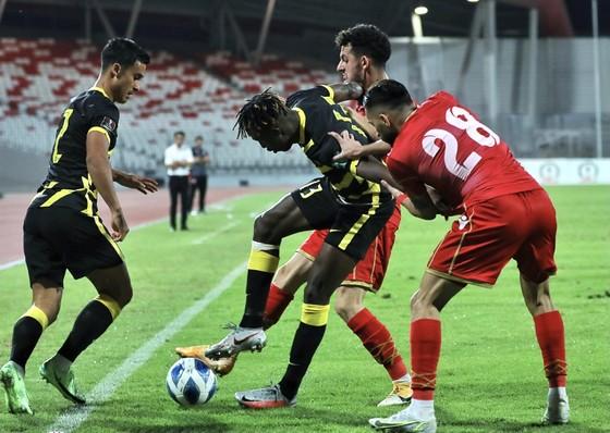 Các đối thủ của tuyển Việt Nam đồng loạt nhận 'gáo nước lạnh' ảnh 1