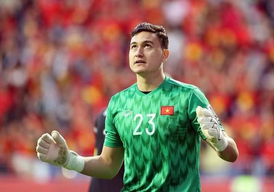 Thủ môn Đặng Văn Lâm gửi lời động viên đến đội tuyển Việt Nam. Ảnh: Anh Khoa