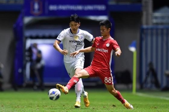 Viettel FC nhận thất bại trước Ulsan Hyundai. Ảnh: VTFC