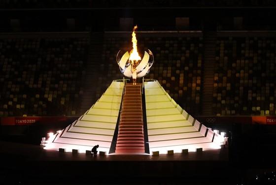Khai mạc kỳ Olympic đặc biệt nhất trong lịch sử ảnh 9