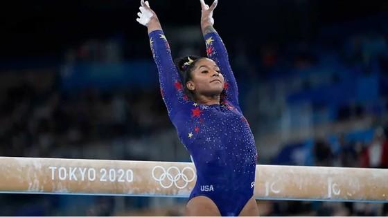 Nữ VĐV Jordan Chiles (Mỹ) thi đấu môn thể dục dụng cụ tại Olympic Tokyo 2020. Ảnh: MARCA