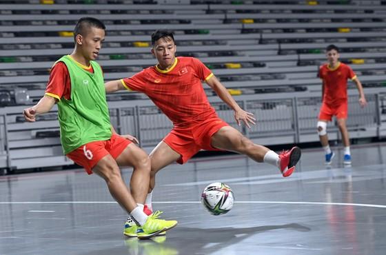 Văn Vũ ăn mừng bàn thắng vào lưới Guatemala ở Futsal World Cup 2016. Ảnh: ANH TRẦN