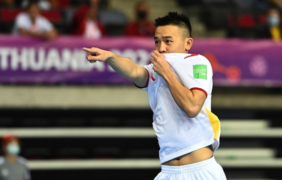 Châu Đoàn Phát đóng góp một bàn thắng, một kiến tạo trong chiến thắng của đội tuyển Việt Nam