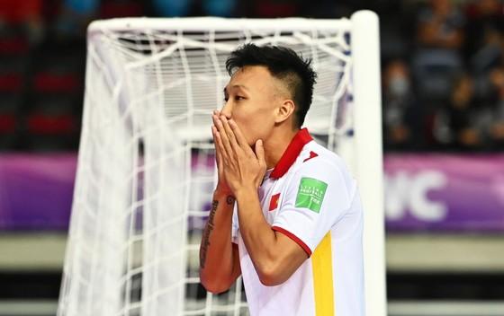 Đánh bại Panama, Việt Nam thắp sáng cơ hội đi tiếp ở Futsal World Cup ảnh 1