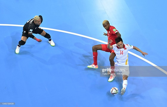 Văn Hiếu chỉ mất 3 năm 'ăn tập' để có siêu phẩm ở Futsal World Cup ảnh 1