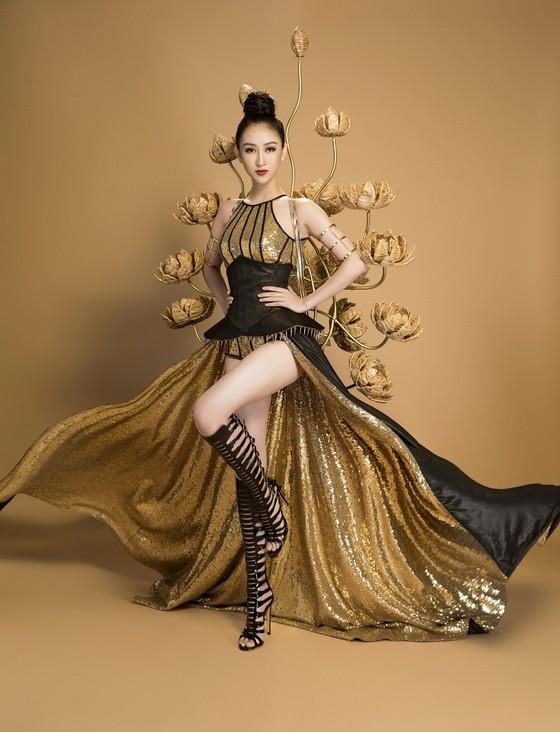 """Hà Thu hóa """"chiến binh"""" với trang phục truyền thống tại Miss Earth 2017 ảnh 4"""