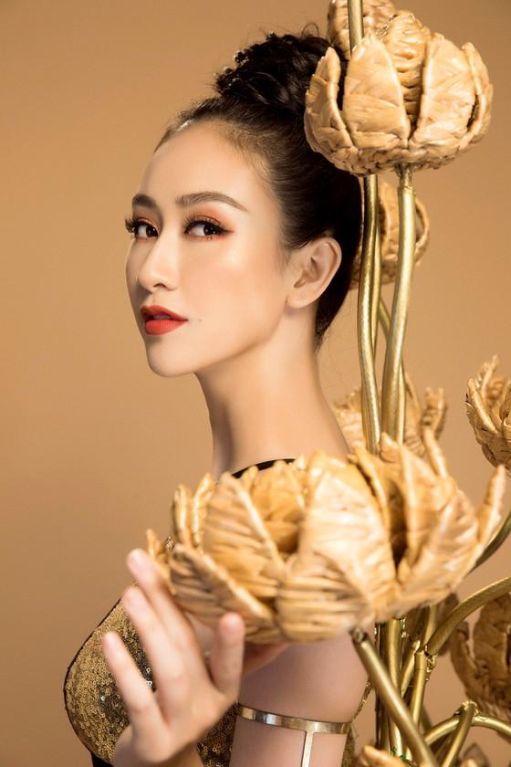 """Hà Thu hóa """"chiến binh"""" với trang phục truyền thống tại Miss Earth 2017 ảnh 1"""