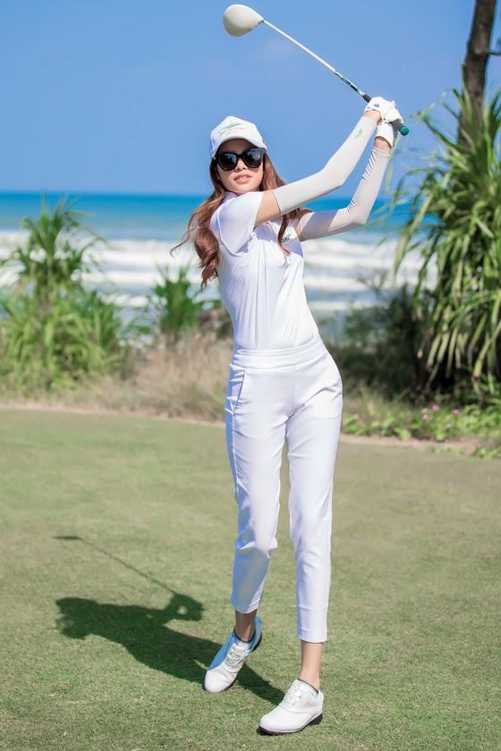 Hoa hậu Phạm Hương quảng bá Đà Nẵng nhân sự kiện APEC 2017 ảnh 4