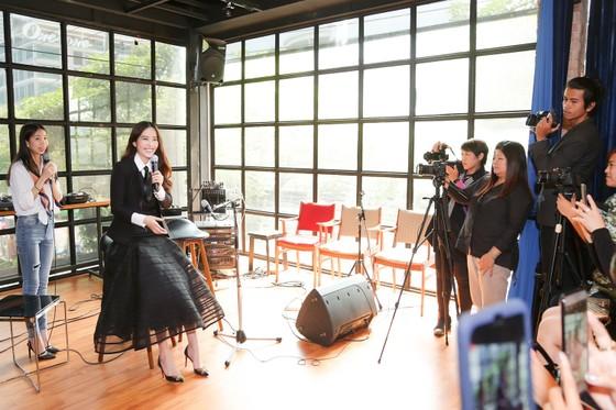 """Nam Em """"chơi lớn"""" khi ra mắt MV tại Thái Lan ảnh 2"""